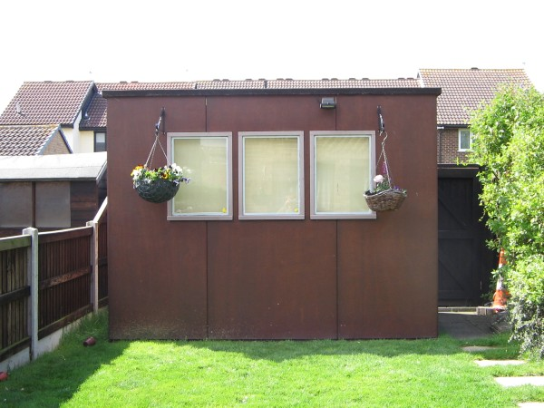 Got a nice sunny picture of the shed, for once :D